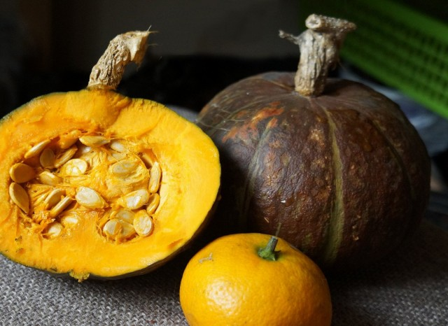 Тыква «Сладкий каштан» не на много больше мандарина