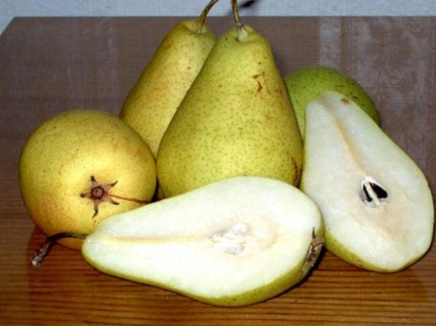 Плода груши Кюре в разрезе