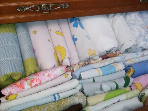 Ящик с постельным бельём