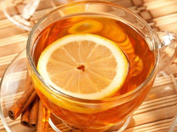 Приготовление лимонного чая и воды